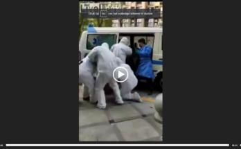 Hombre en China obligado a entrar en furgoneta para ser puesto en cuarentena